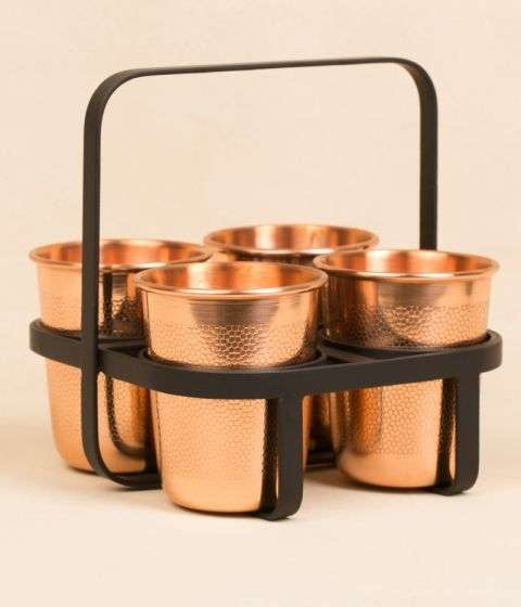 Set Of 4 Tumblers With Etching Design  and Iron Stand