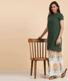 Women Aum Embroidered Organic Cotton Kurta - Green