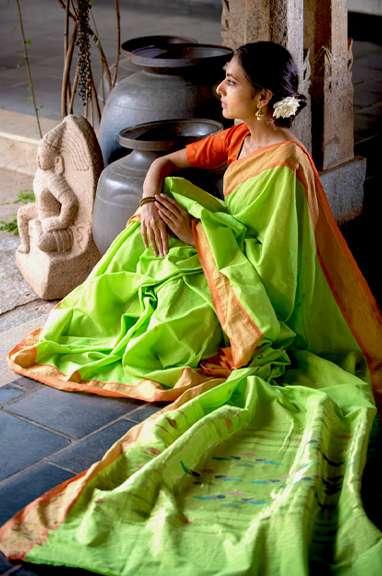 Handwoven-Sarees-Discover